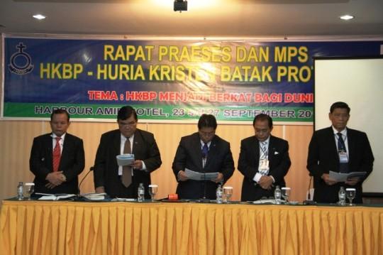 JEB - RAPAT PRAESES HKBP 23 – 25 SEPTEMBER 2013 (1)